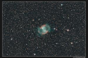 Planetarischer Nebel NGC 6853, auch Hantelnebel genannt. Aufnahme von Michael Kunze.